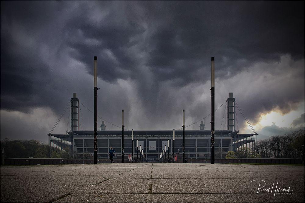 Dunkle Wolken über dem FC ....