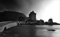 Dunkle Wolken über Eileen Castle