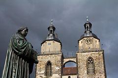 Dunkle Wolken über Wittenberg