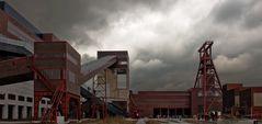 Dunkle Wolken über Zollverein