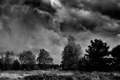 """""""Dunkle Wolken ziehen auf"""""""