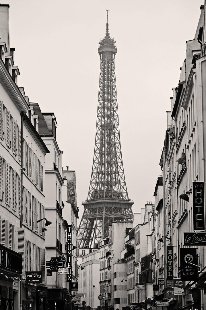 Durch Straßen und Gassen zum Wahrzeichen von Paris