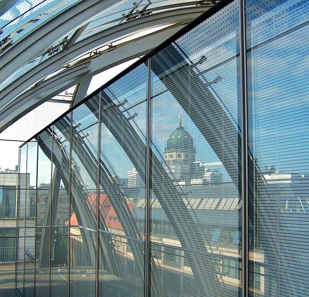 ... durch und über den Dächern von Berlin ...