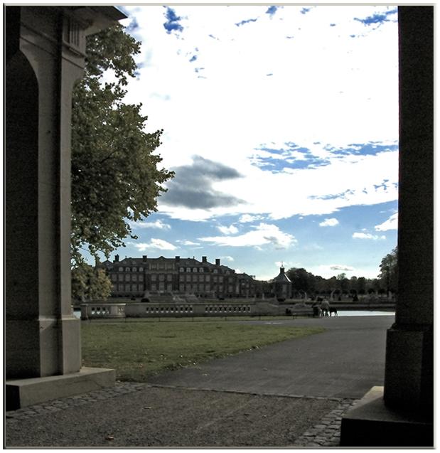 Durchblick auf das Schloss Nordhorn.