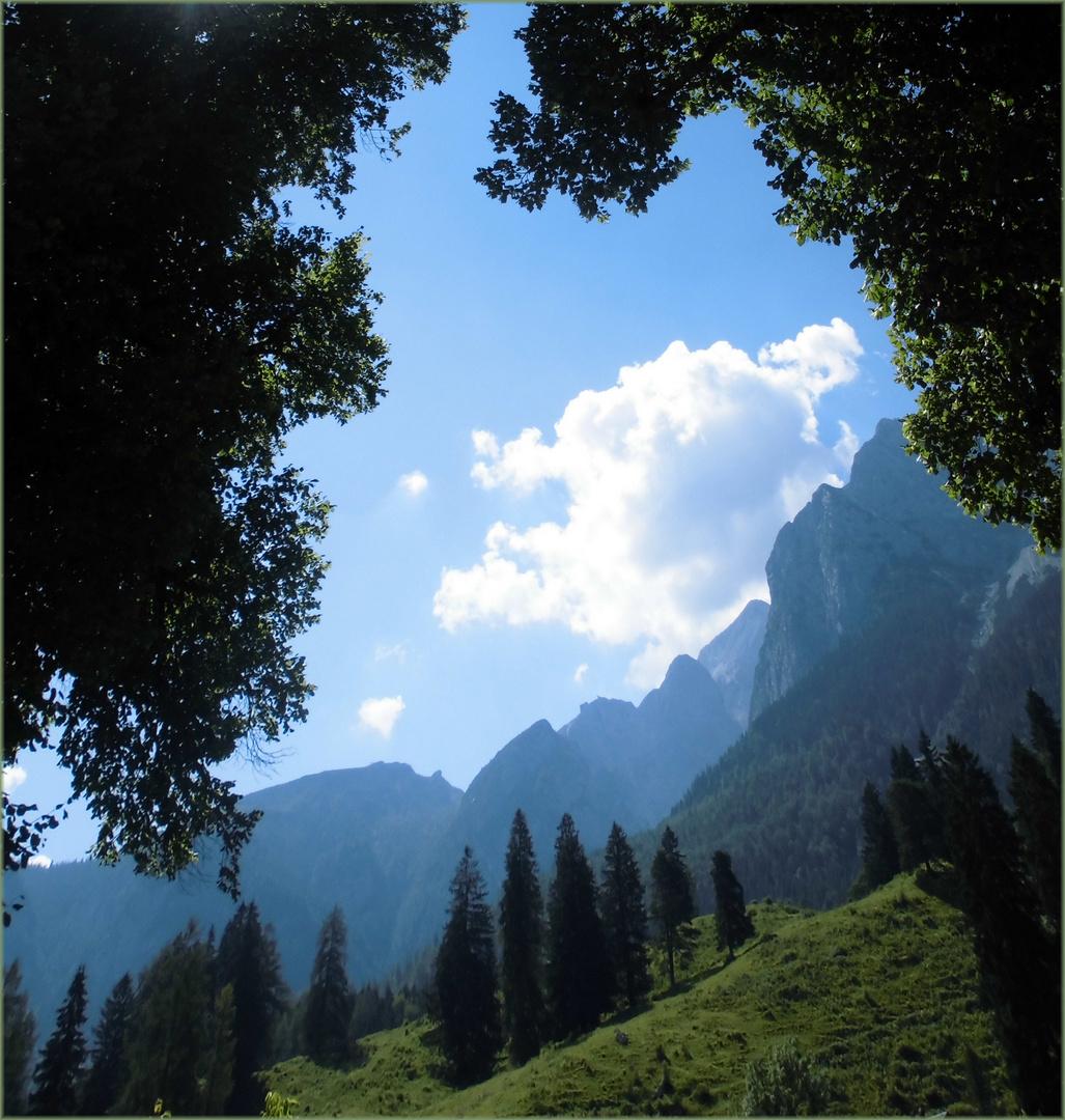 Durchblick-zum-Karwendel-