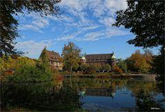 Durchblick zum Wasserschloss Wittringen