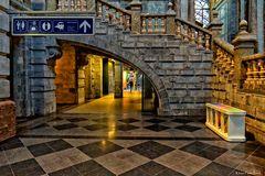 Durchgang zu den unteren Bahnsteigen