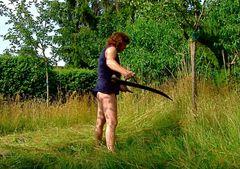 Durchkämpfen ist angesagt*Die Wildblumenwiese braucht auch ihren Schnitt*