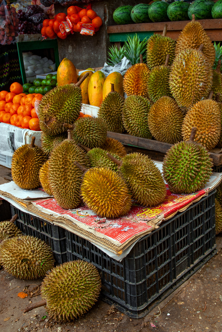 Durian Chanee sold in Yangon