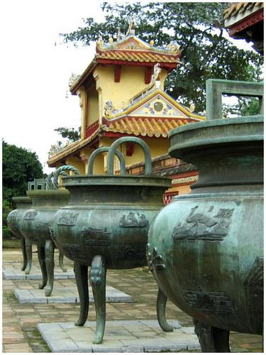 Dynastische Urnen - Hue