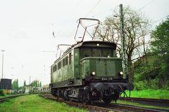 E 44 119 Pausierte in Düsseldorf Abstellbahnhof