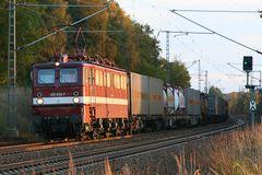 E-Lok 109 030-7 (Ex DDR-BR E211) Holzroller
