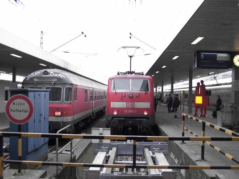 E-Lok auf Gleis 9