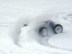 E-Revo im Schnee geht die Post ab