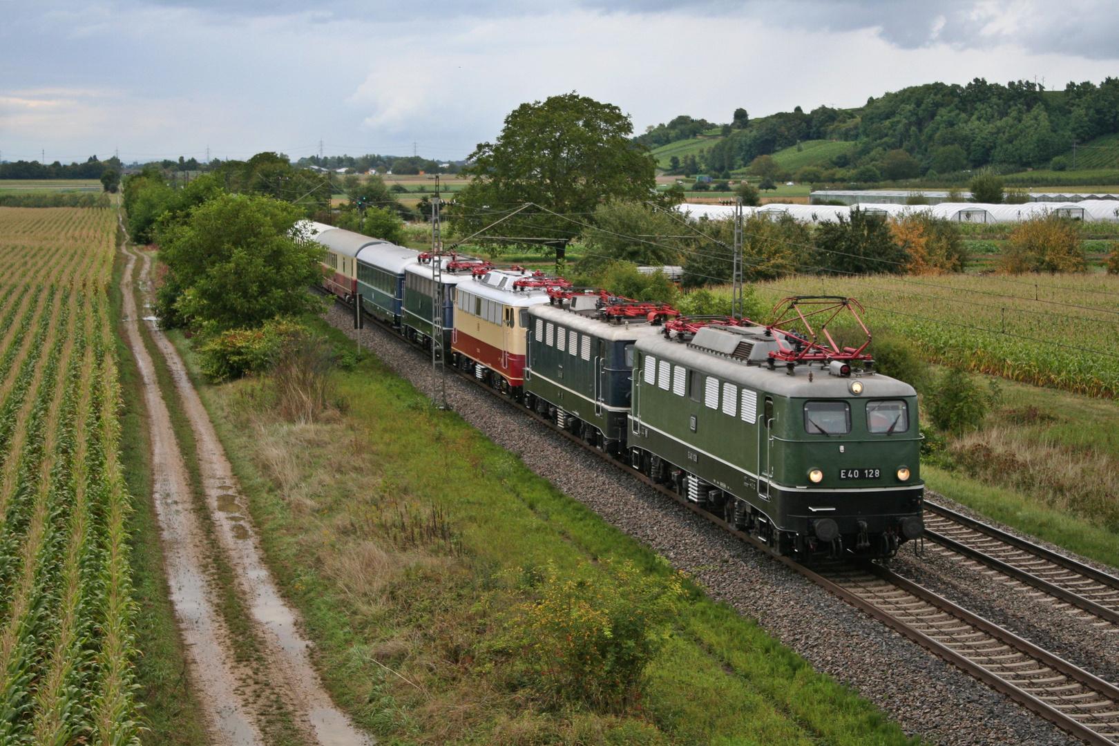 E40 128 mit dem Museumszug nach Basel