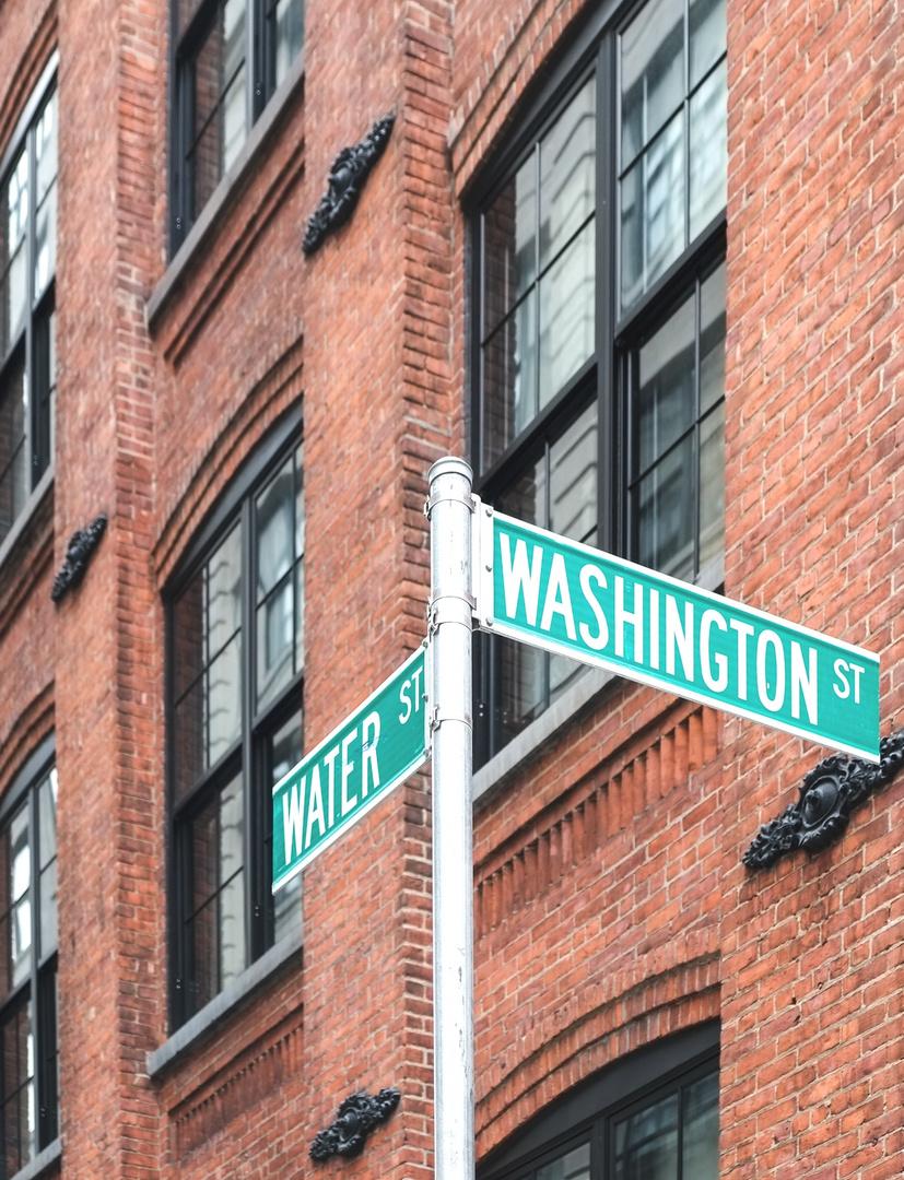 Ecke Water / Washington Street in Brooklyn