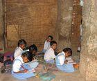 Ecole dans les ruines  à Hampi