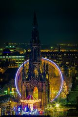 Edinburgh Christmas am Scott Monument