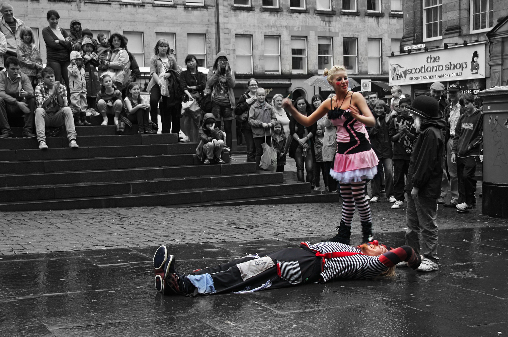 Edinburgh Festival Fringe IV. A coloured perfomance
