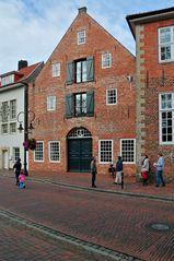 Ehemaliger restaurierter Speicher in Jever (Friesland)