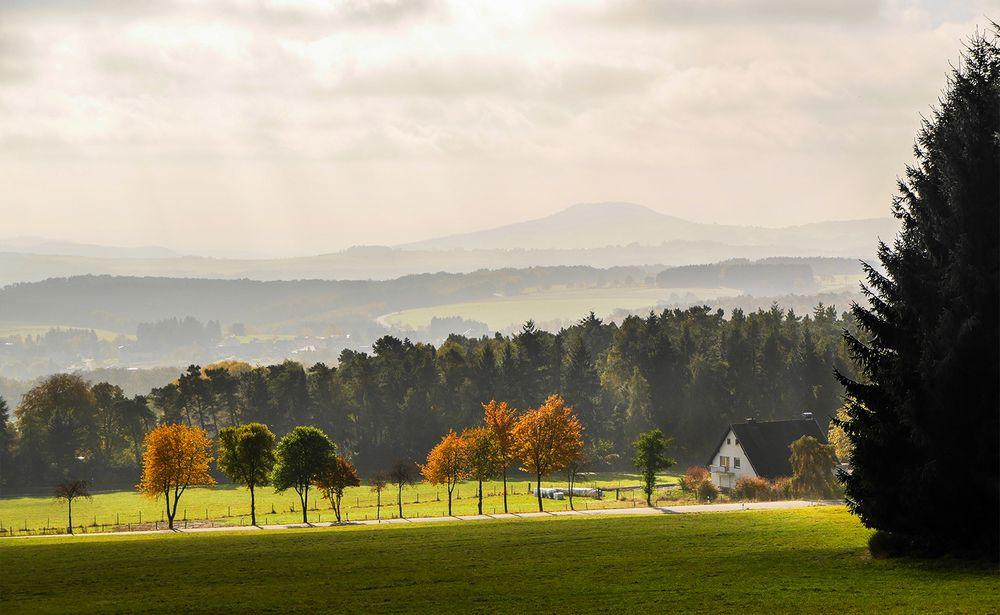 Eifellandschaft  im Herbst