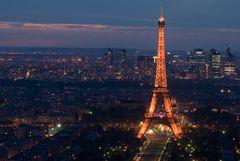 Eiffelturm mit La Défence