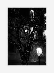Ein Abend in der weihnachtlich geschmückten Stadt