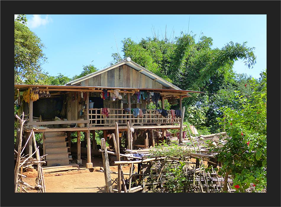 Ein Akha - Haus