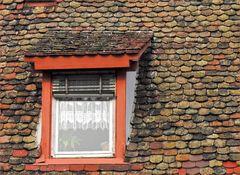 Ein altes Dach ist schwer zu flicken...