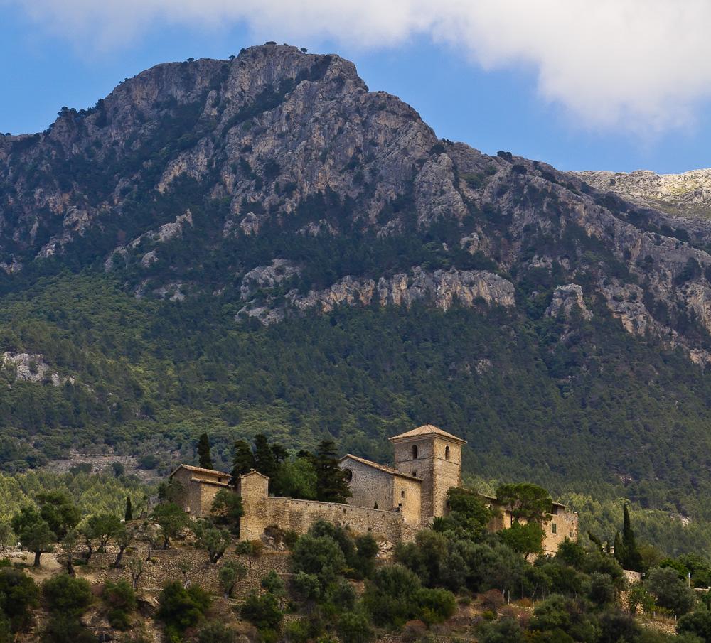 Ein altes Kloster in Deiá