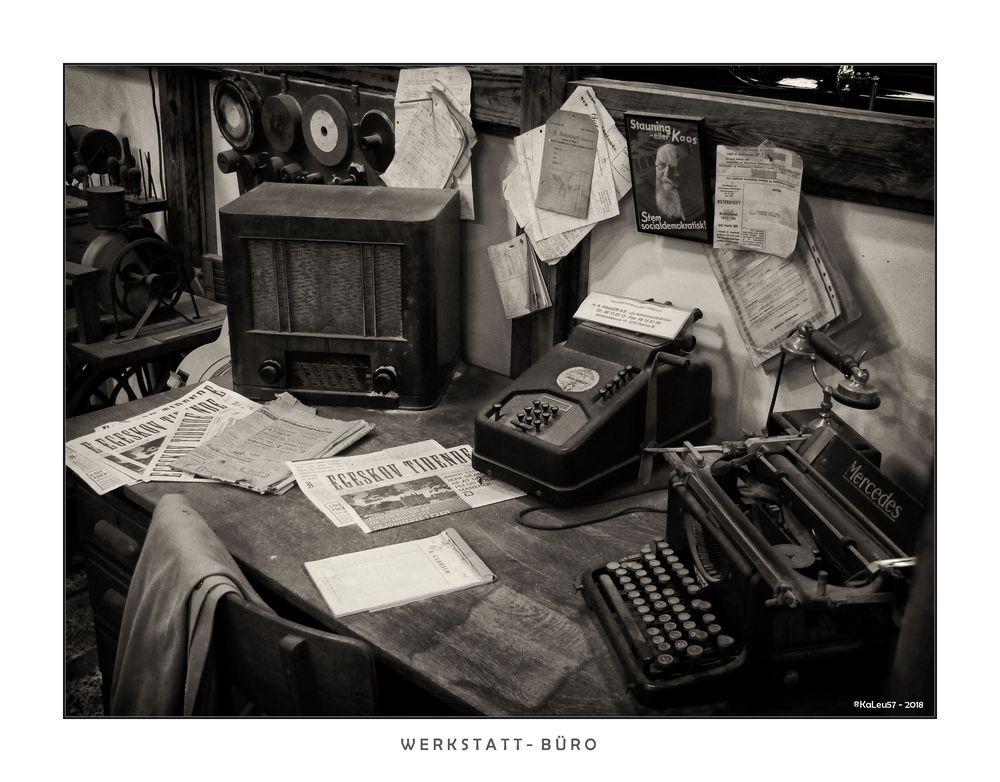 Ein altes Werkstatt - Büro