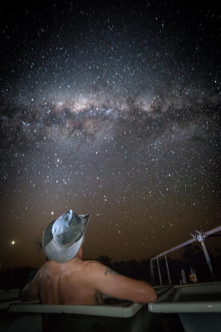 ein Bad unter dem Sternenhimmel