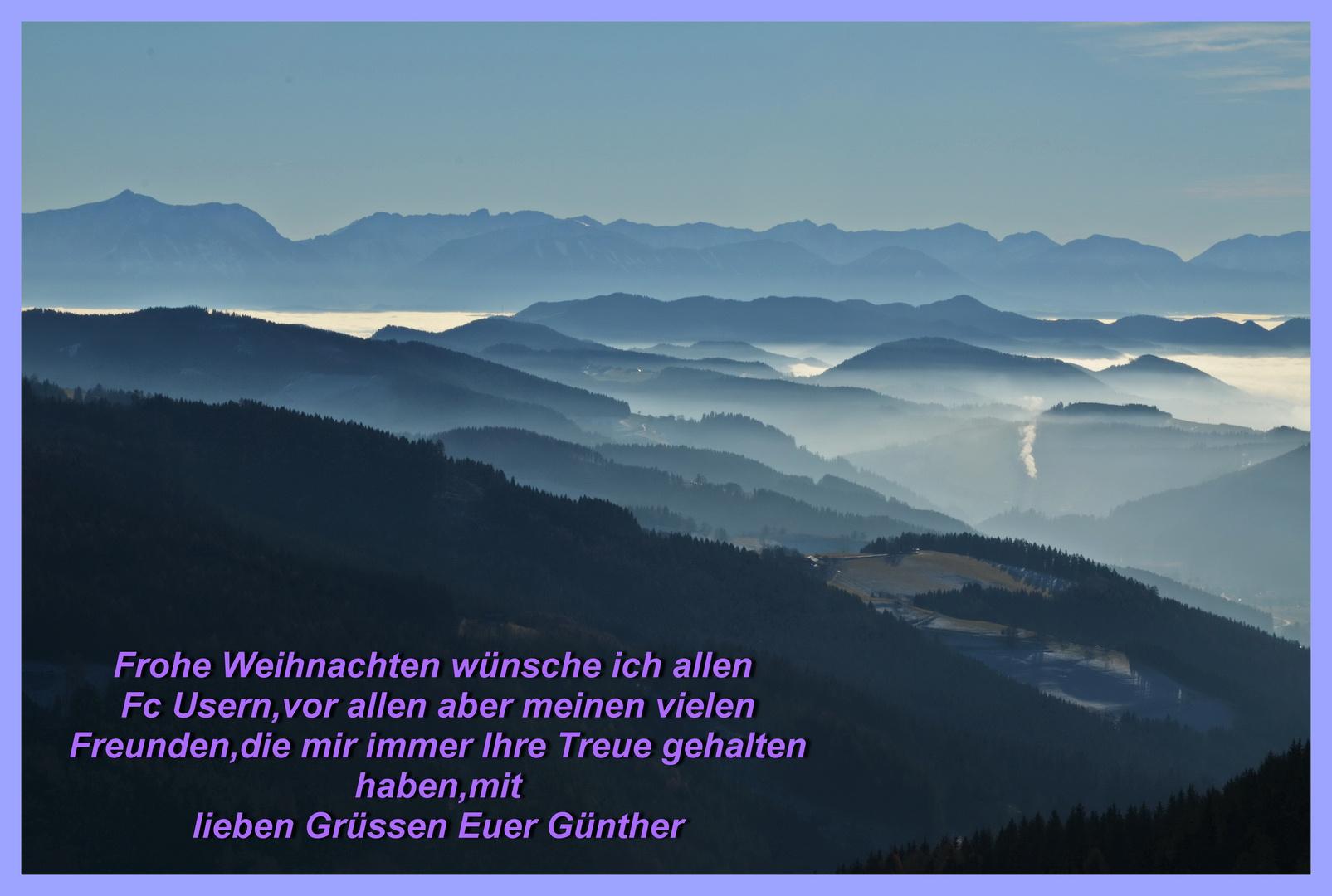 Ein Blick über das im Hochnebel versunkene Kärnten.