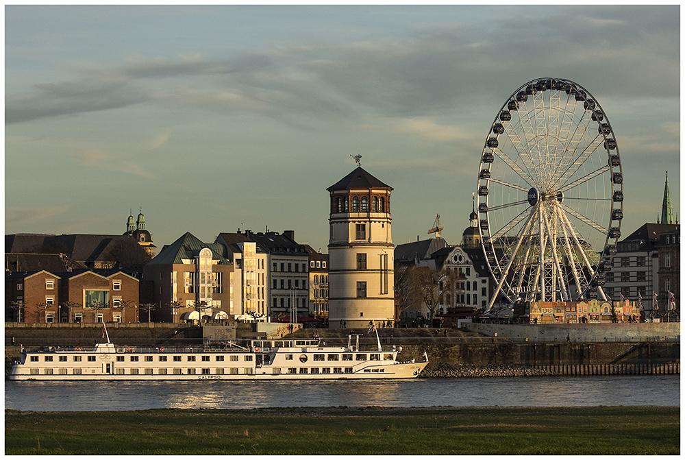 Ein Blick über den Rhein..
