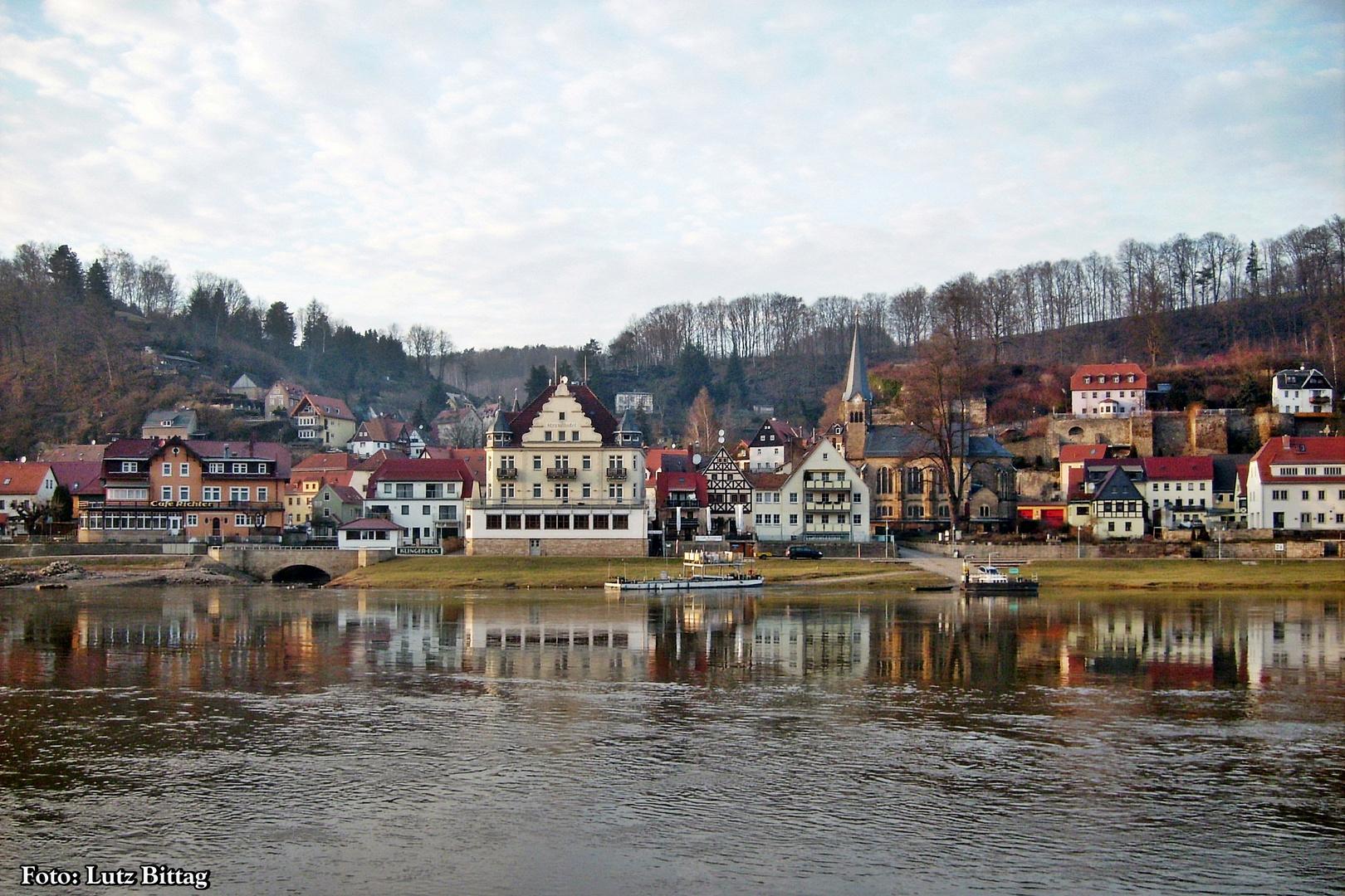 Ein Blick über die Elbe ...
