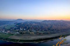 Ein Blick von der Bastei auf die Elbe