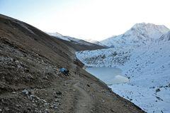 Ein Blick zurück auf dem Weg zum Larke Pass.