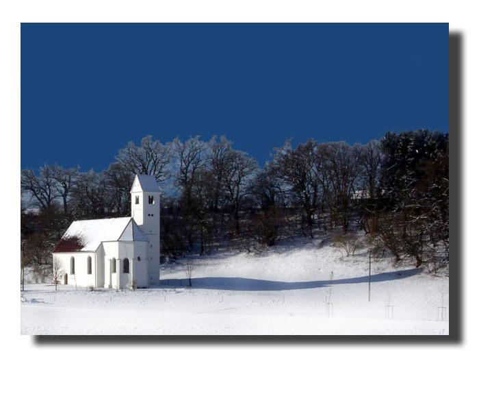 Ein christliches Gotteshaus am Fuß einer Keltenschanze