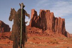 EIN Cowboy im Monument Valley USA - 1