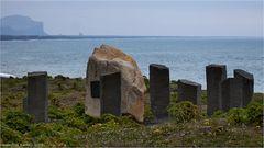 Ein deutscher Gedenkstein in Vik am Strand...