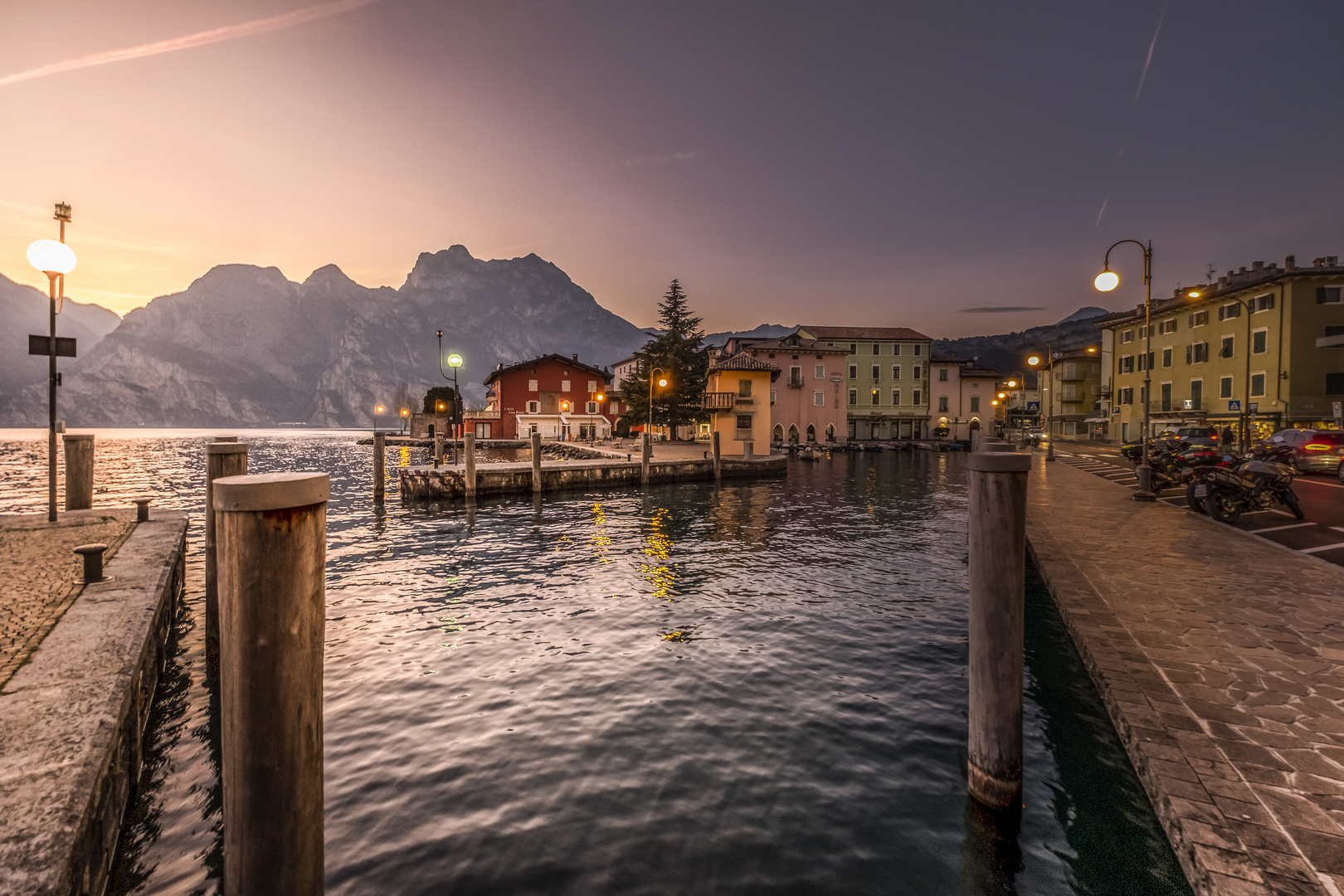 Ein Dorf am Gardasee