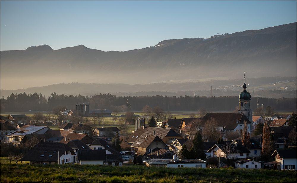 Ein Dorf im Dunst