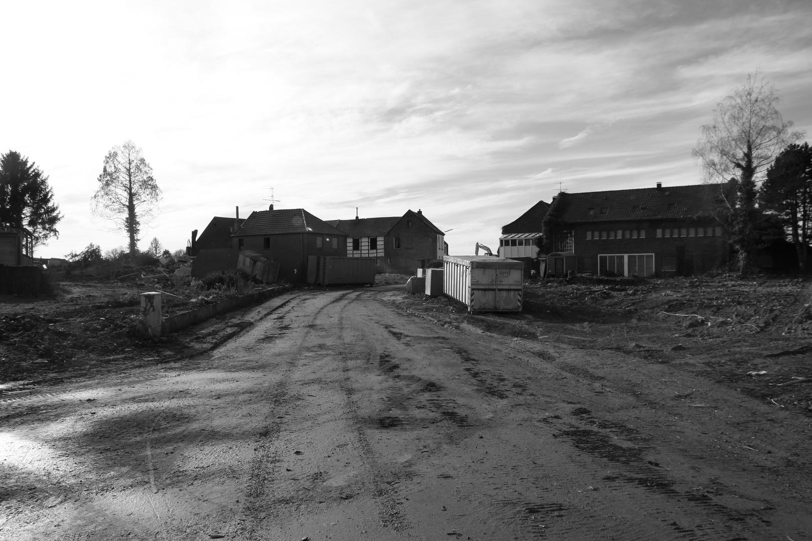 Ein Dorf verschwindet: Borschemich - Marienstiftstraße Blickrichtung Süden