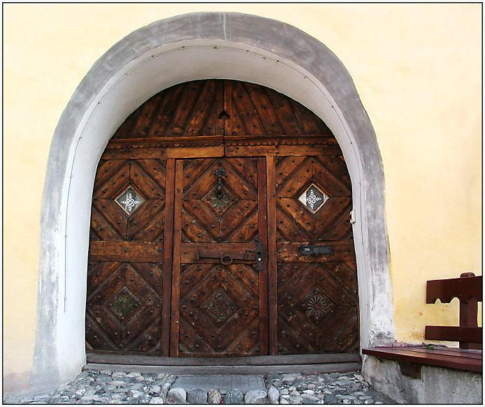 Ein Eingang, wie aus Schellenurslis Buch...