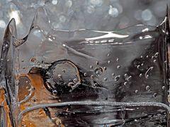 Ein Eis-Kunstwerk am Bergbach... - Une oeuvre d'art faite de glace!