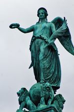 ein Engel über dem Schlossplatz