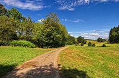 Ein Feldweg im Märkischen Sauerland