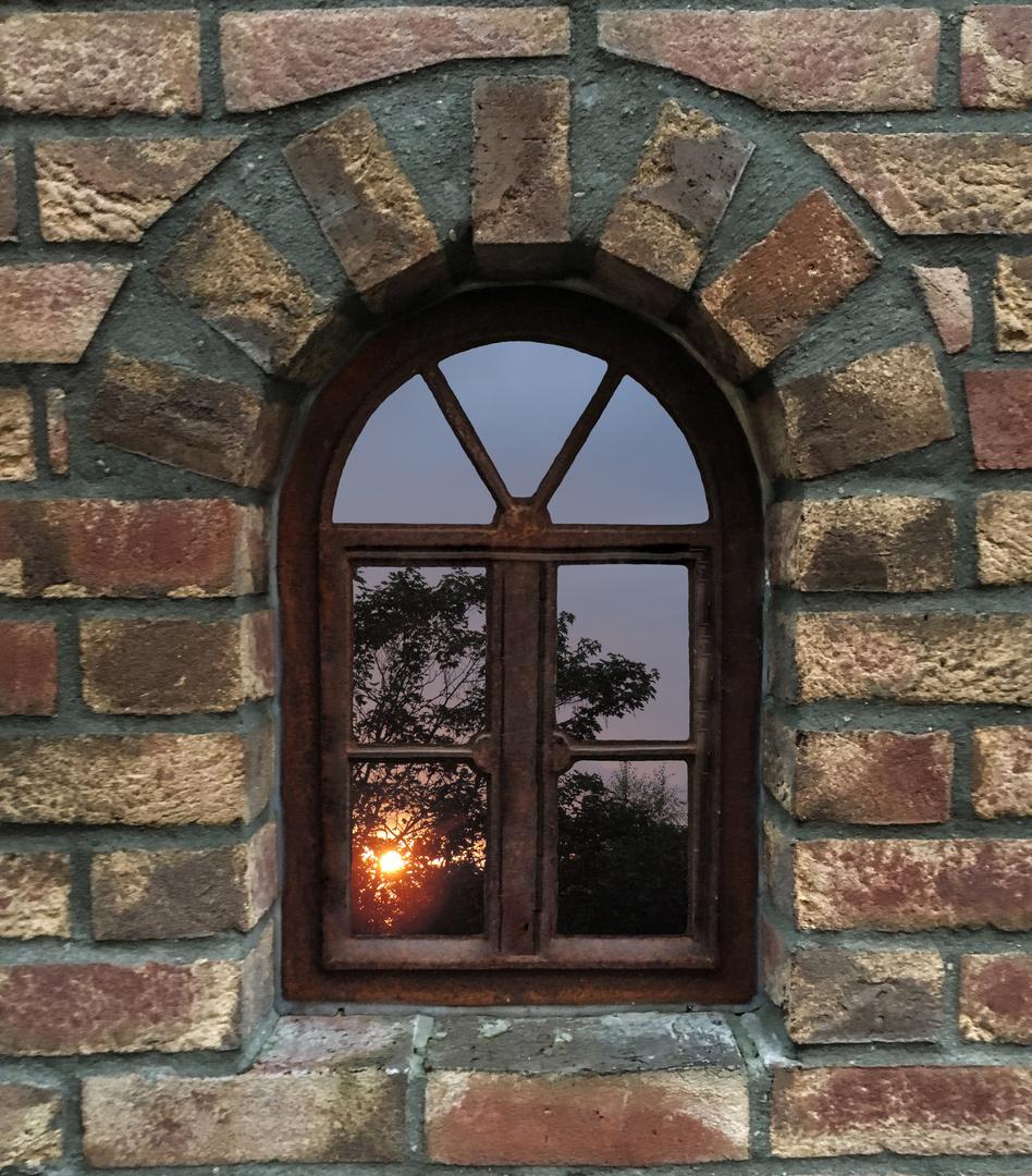 Ein Fenster ist der Bilderrahmen für die Aussicht\