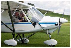 Ein Flug mit dem fliegenden Bauern mit OHNE Scheibe auf der Beifliegerseite
