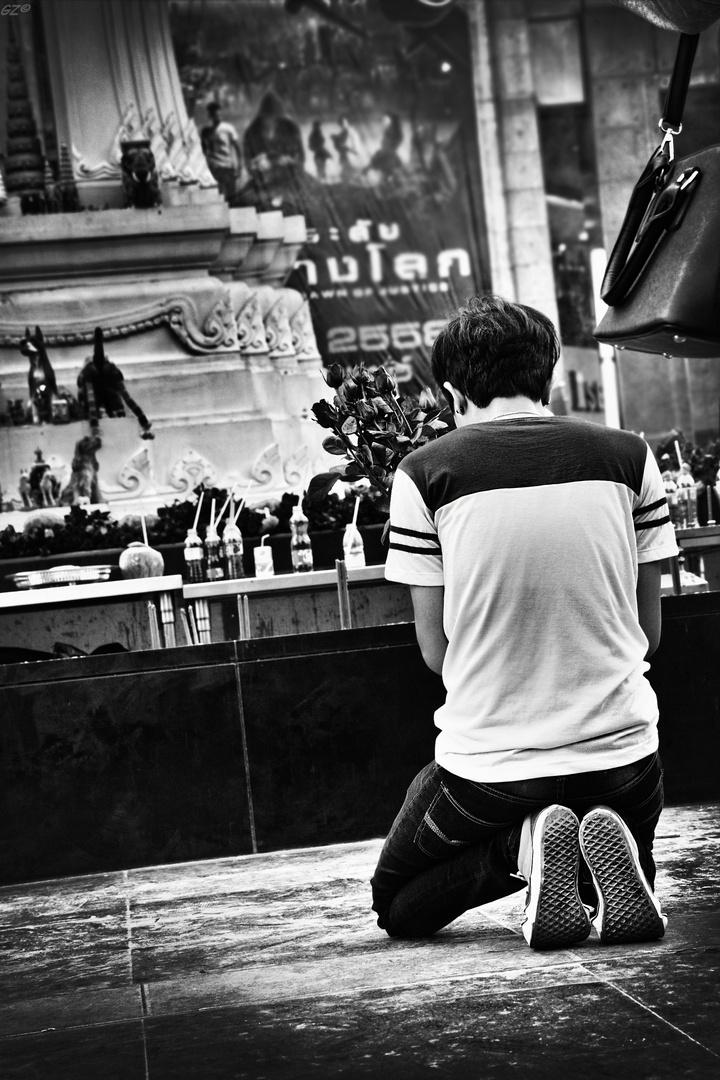 Ein Gebet inmitten der Stadt